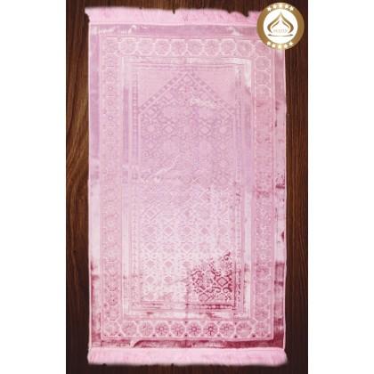MUSLIMAH GIFT SET (SEJADAH + TELEKUNG + PERFUME + TASBIH) PINK